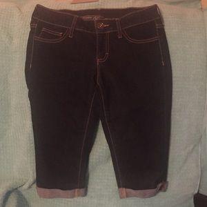 2/$10 City Streets Capri Jeans Juniors Size 5 EUC